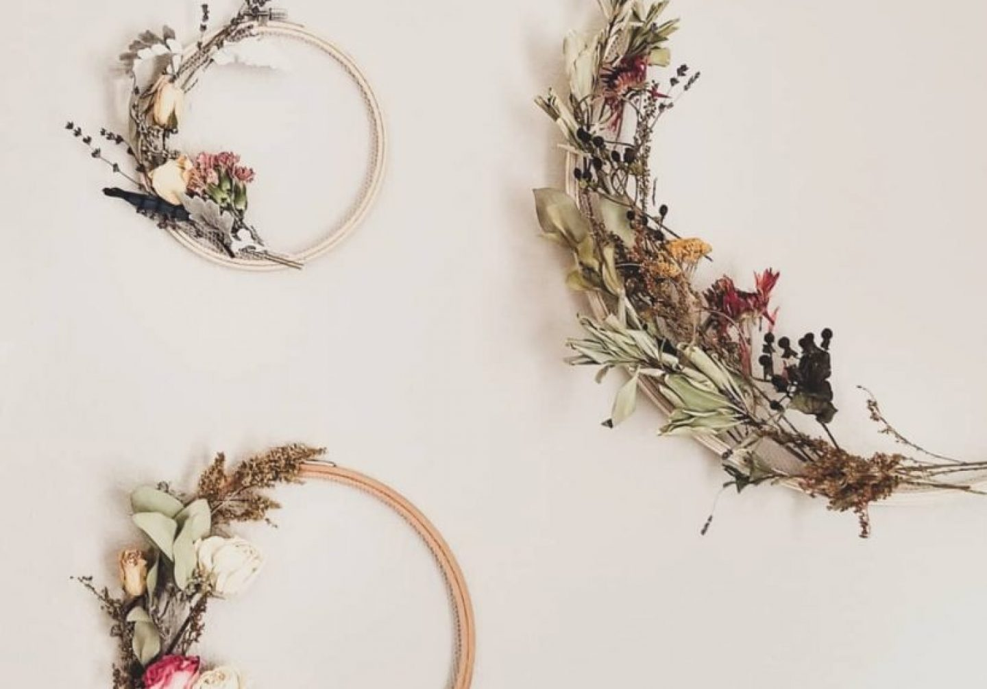 dried flowers on wall
